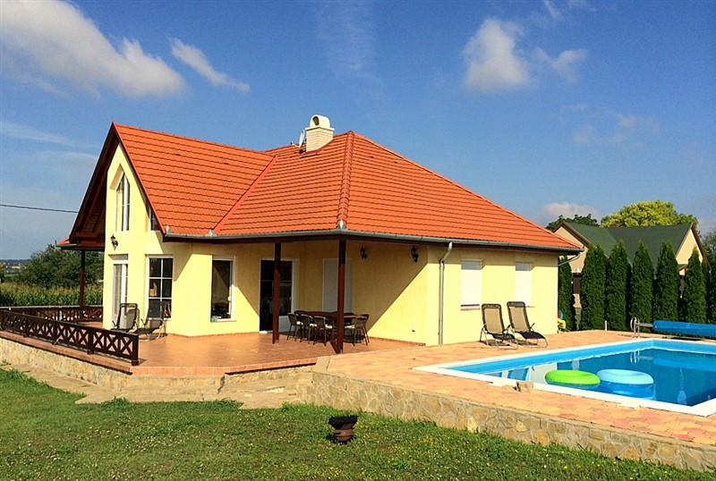 ferienhaus ungarn plattensee ferienhauser in ungarn. Black Bedroom Furniture Sets. Home Design Ideas