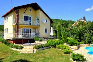 villa balaton panorama alsoors 01