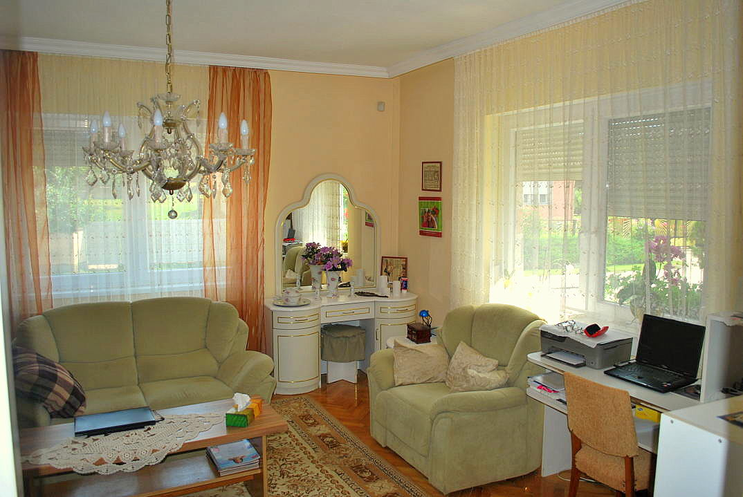 kossuth haus in ungarn kaufen 06 ferienhauser in ungarn. Black Bedroom Furniture Sets. Home Design Ideas
